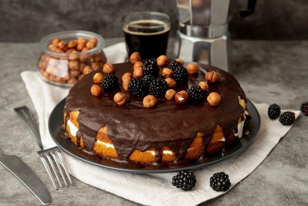 コーヒーとクローズアップのチョコレートケーキ