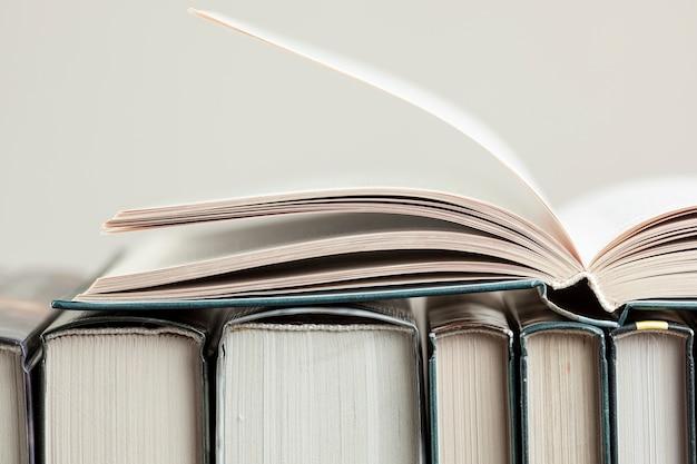 書籍とのクローズアップ配置
