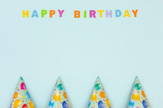 青色の背景にお誕生日おめでとうコンセプト
