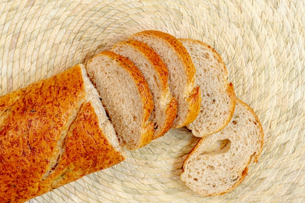 Вид сверху ломтики хлеба