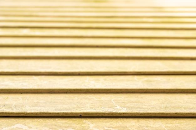 Простая деревянная стена