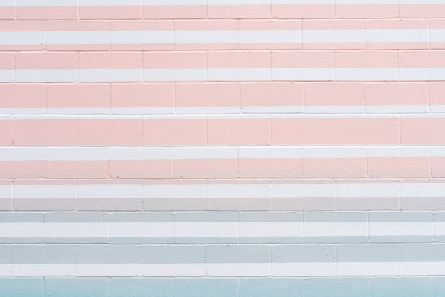 色付きの線で抽象的なレンガの壁