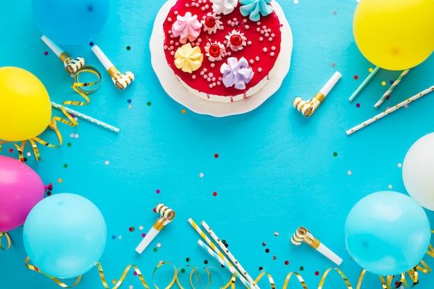 誕生日ケーキとコピースペースのフレイレイアウト