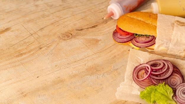 コピースペースでクローズアップサンドイッチ