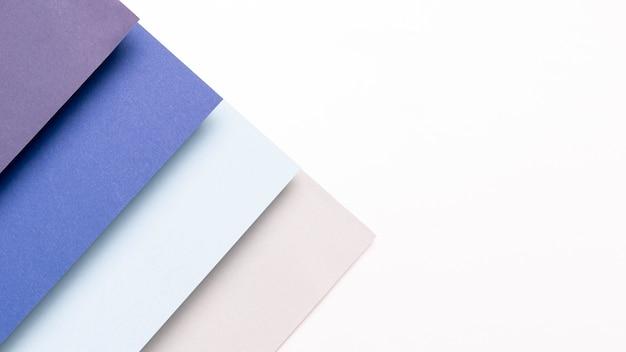 コピースペースを持つ青い色合いパターン
