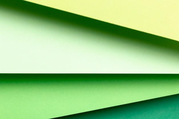 緑の紙のクローズアップのさまざまな色合いのトップビュー