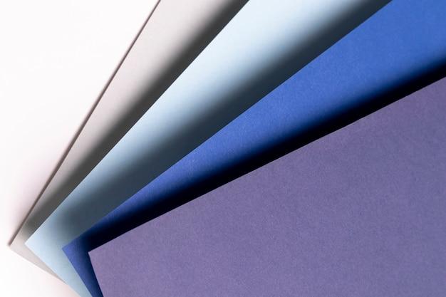 Вид сверху с различными оттенками синего