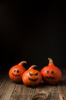 Набор злых хэллоуинских тыкв