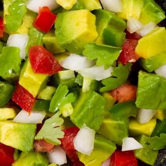 クローズアップのヘルシーなメキシコ風サラダ