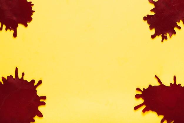 黄色の背景にビュー暗い汚れの上