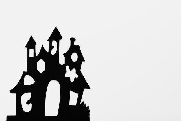 白い背景の上のトップビュー不気味な大邸宅