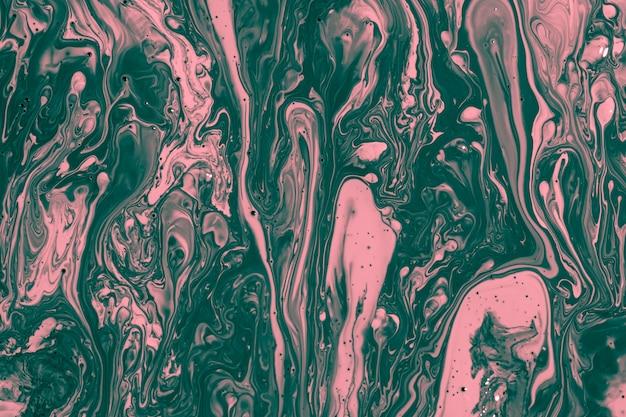 ピンクとグリーンのペイントを混ぜたフラットレイ