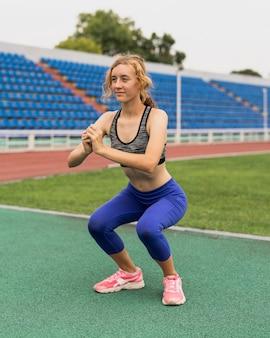 走る前に運動をする