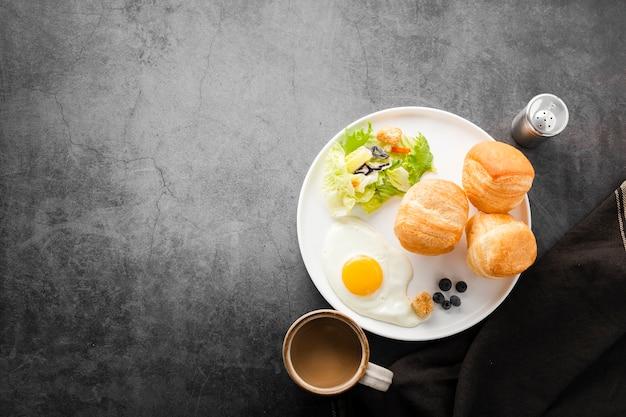 健康的なスタートの朝食のセット