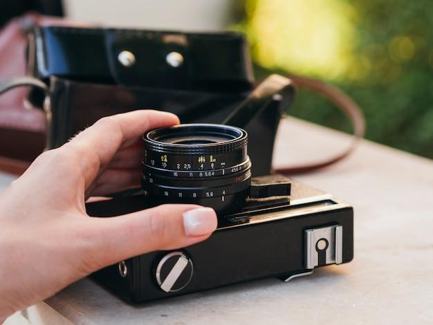 Электронное устройство камеры на виде таблицы