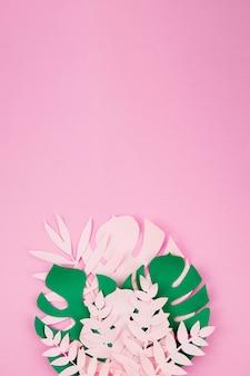 紙のスタイルでエキゾチックな折り紙の葉