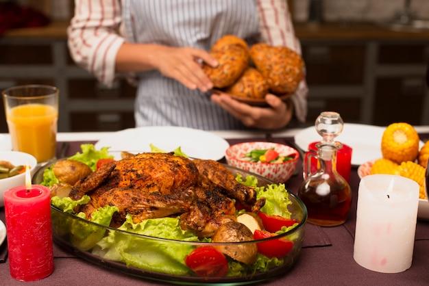 クローズアップおいしいトルコと背景をぼかした写真