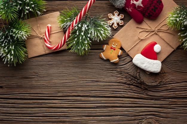 コピースペースでトップビュークリスマス飾り