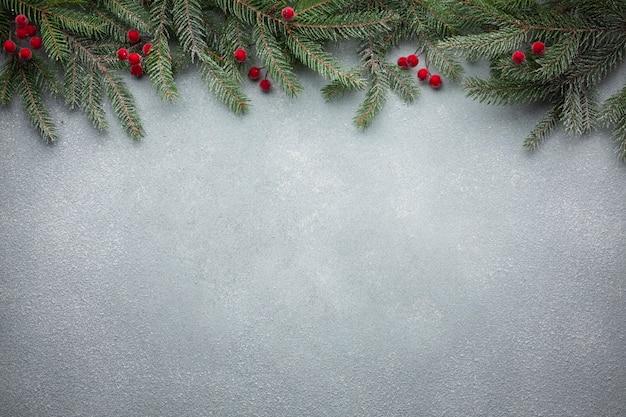 コピースペースでクリスマスツリーブランチ
