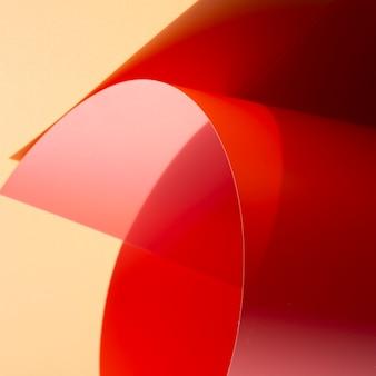 逆さまの抽象的な湾曲したモノクロ紙