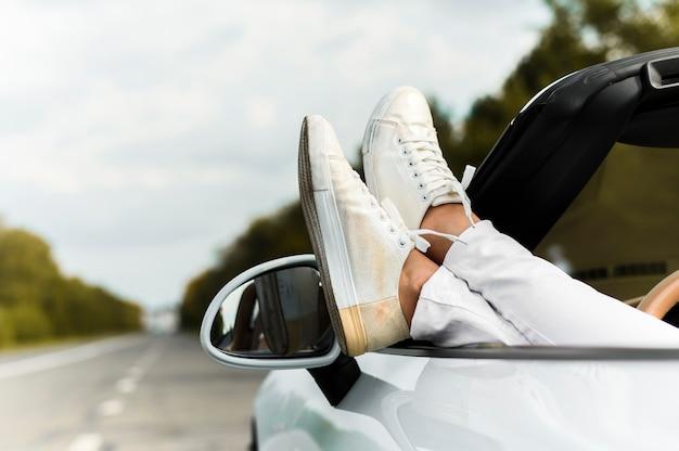 Крупный план модной обуви