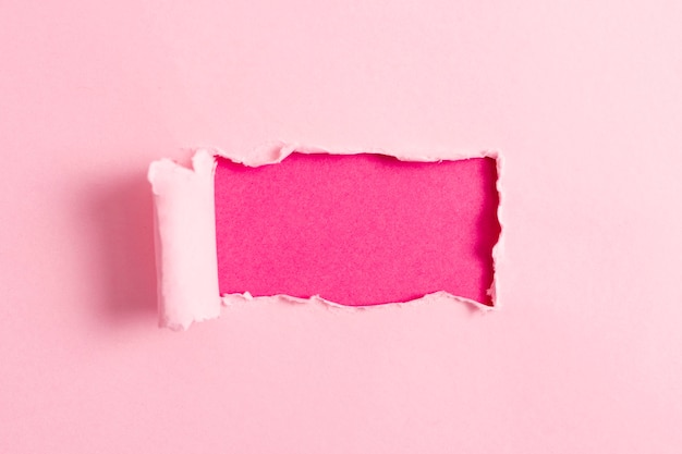 ピンクのモックアップとピンクの紙シート