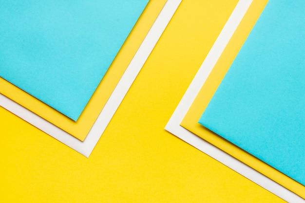 Красочный орнамент из листов бумаги