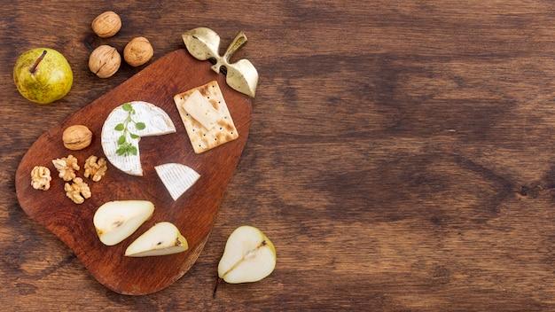 Разнообразие вкусных закусок с копией пространства