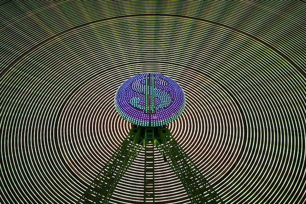 Абстрактные неоновые волны света чудо колеса