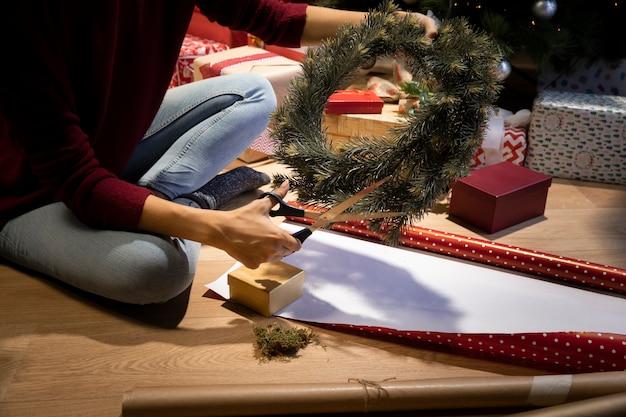 高角度のクリスマスの装飾時間