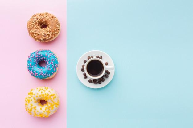 Глазированные пончики с кофе