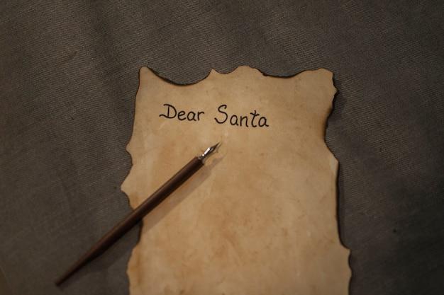 Крупным планом рождественское письмо с макетом