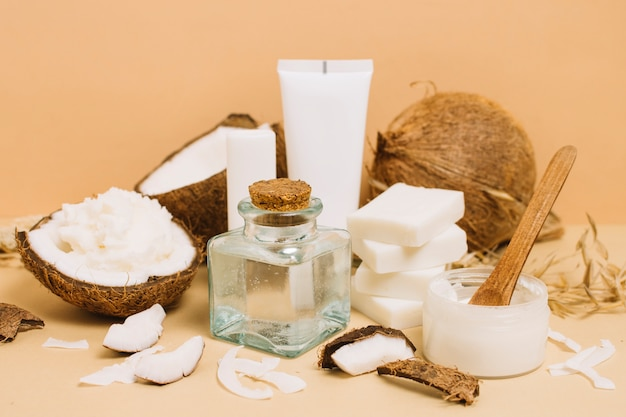 さまざまなココナッツ製品のクローズアップショット