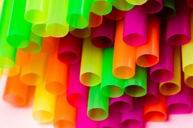 Кончик с разноцветными соломками