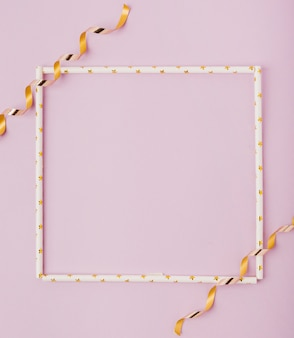 Макет рамы и ленты с копией пространства