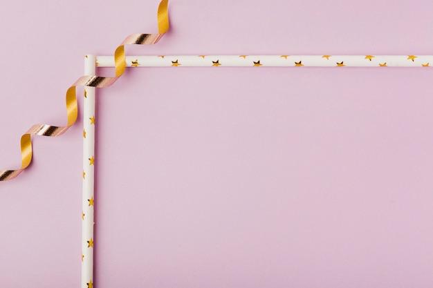 リボンフレームとピンクの背景