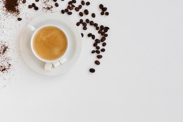 Вид сверху кофейная чашка с копией пространства