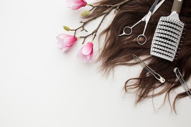 桜の花のある自然な髪
