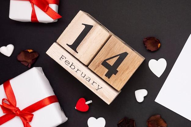 バレンタインデーのプレゼントとトップビューの配置