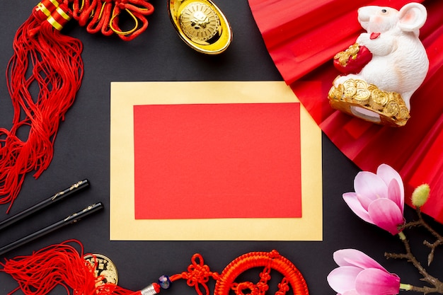 カードモックアップ中国の旧正月とラットの置物
