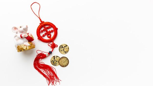 ラットの置物と中国の新年のペンダント