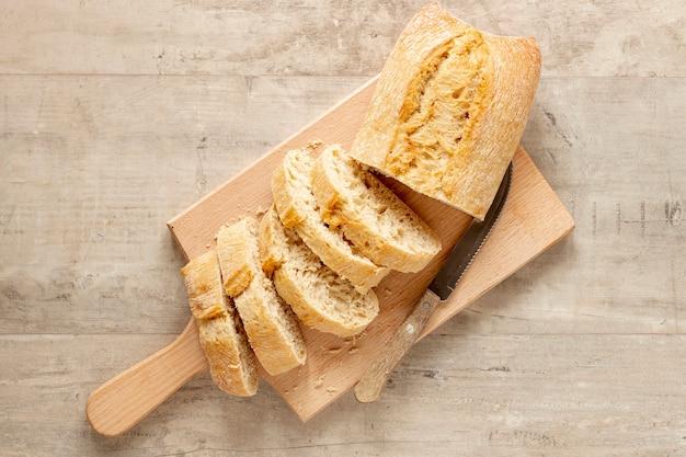 トップビューおいしいスライスされたパン