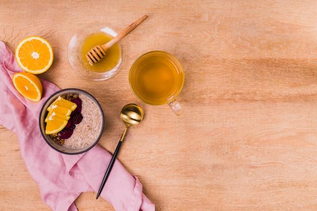 ハニーコピースペースと甘い朝食