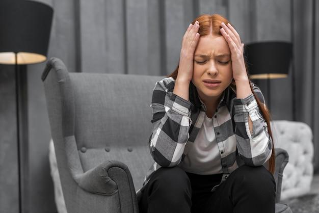 Крупным планом разочарование женщины