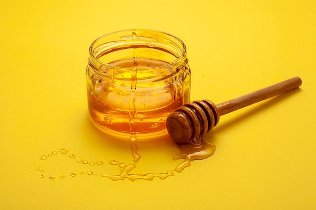自家製蜂蜜とクローズアップボウル