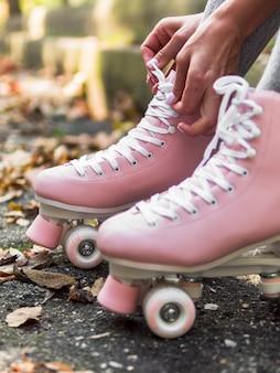 多重葉を持つローラースケートのクローズアップ