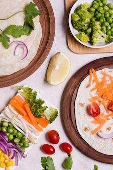 さまざまな天然野菜のトップビュー