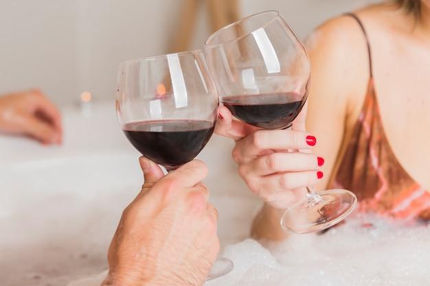 バレンタインの日に入浴カップル