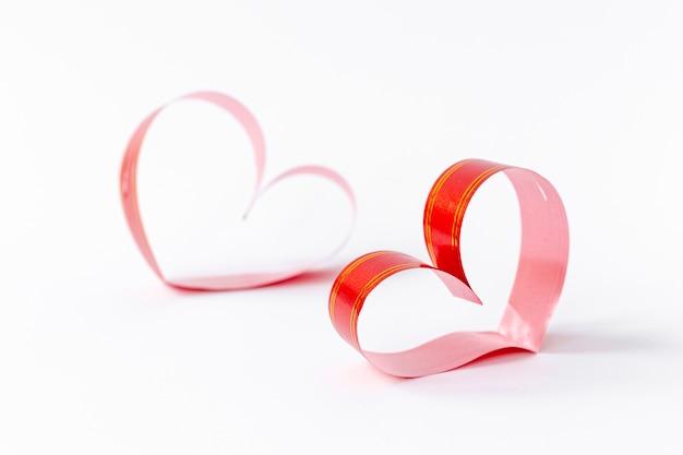 День святого валентина бумажные сердца