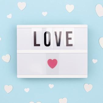 ランプ上のバレンタインの日のメッセージのトップビュー